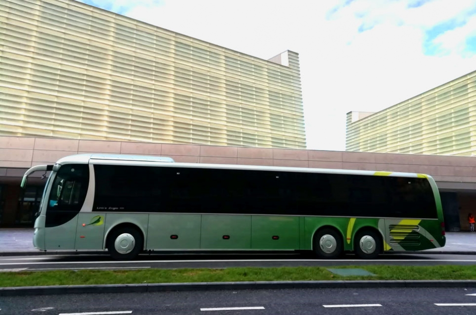Bus 65 plazas